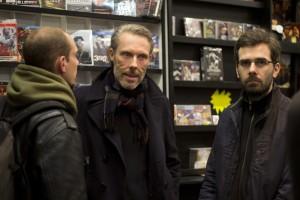 """Mathieu, Pascal Stervinou doing the """"angry cat"""" thing, et Julien appréciant l'instant."""